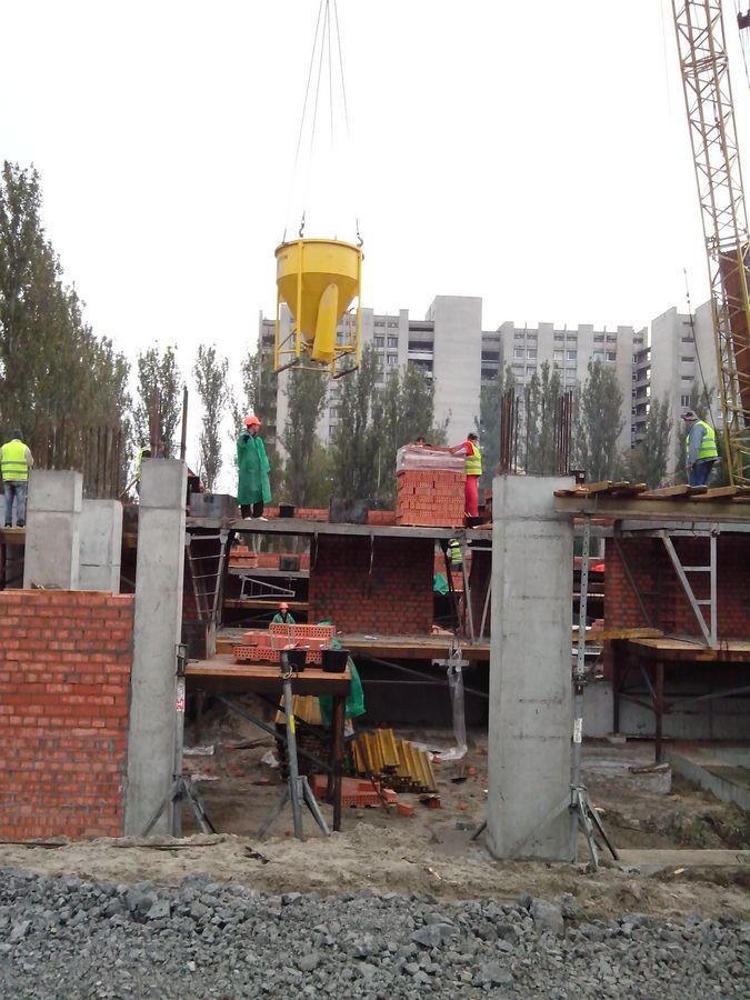 Кладка несущих стен между колонами