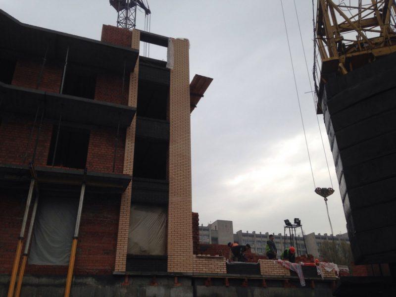 долгожданная кладка второго этажа 2й секции