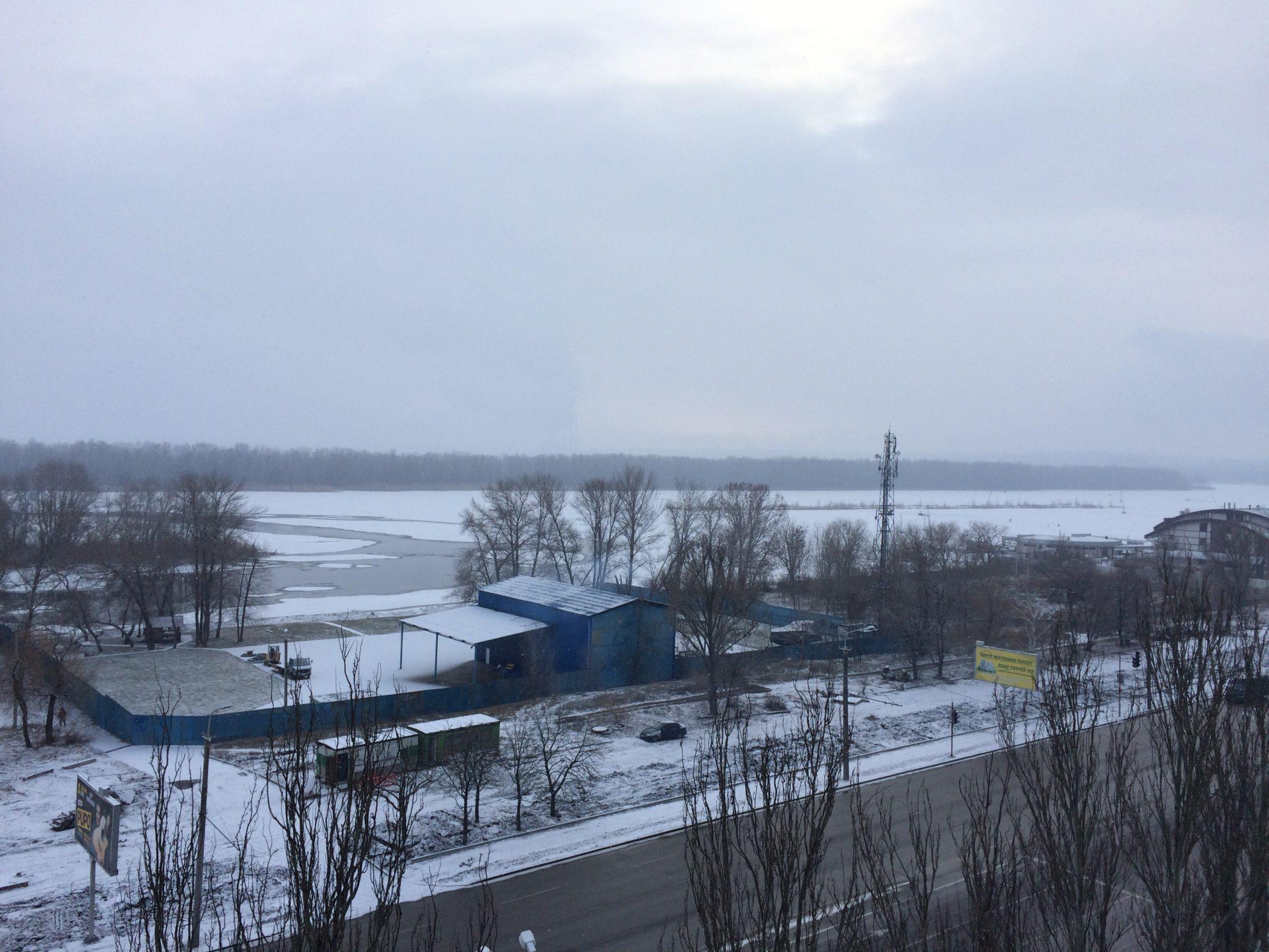 Так выглядит зима с 9 этажа