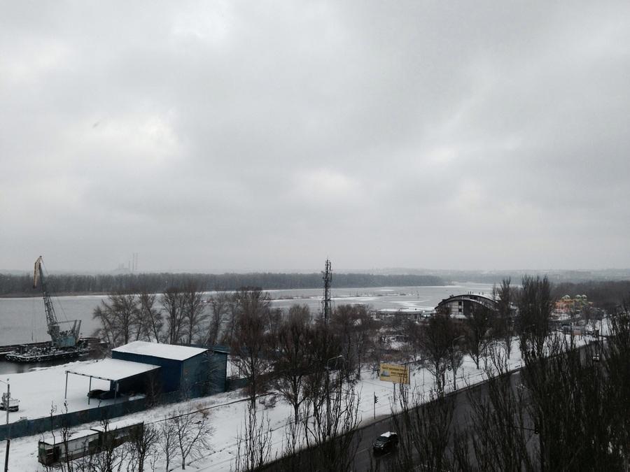 заснеженный Днепр (вид с 8-го этажа)