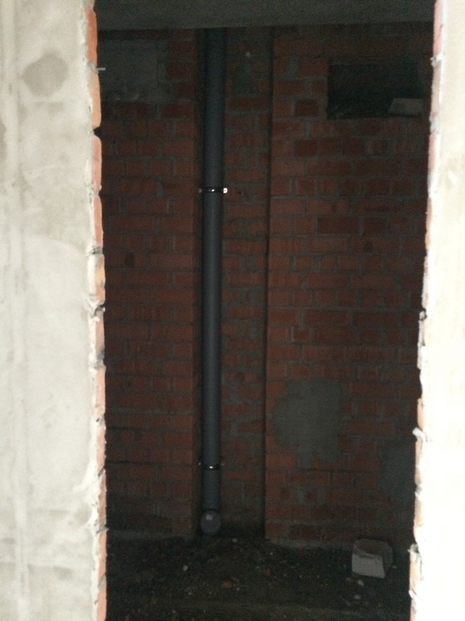 Foto 5 Prokladyvaem kanalizacionnye stoyaki 1 sekciya