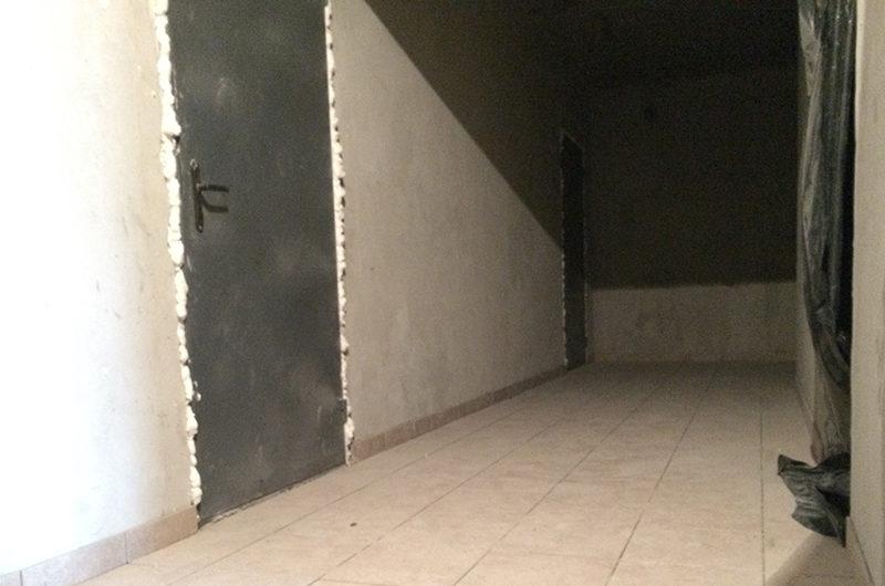 Укладка плитки в коридоре 5-6 этаж