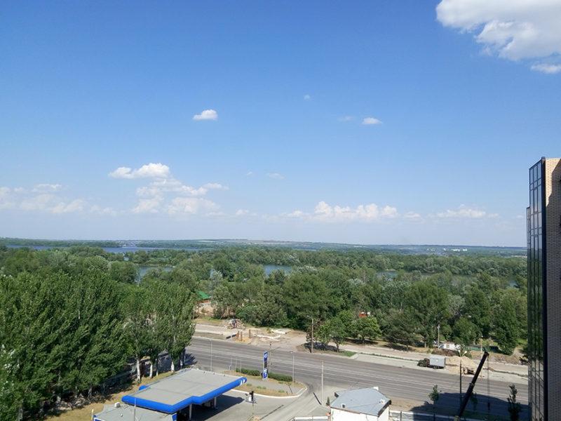 Вид из квартиры 93,7 м2 на 11 этаже