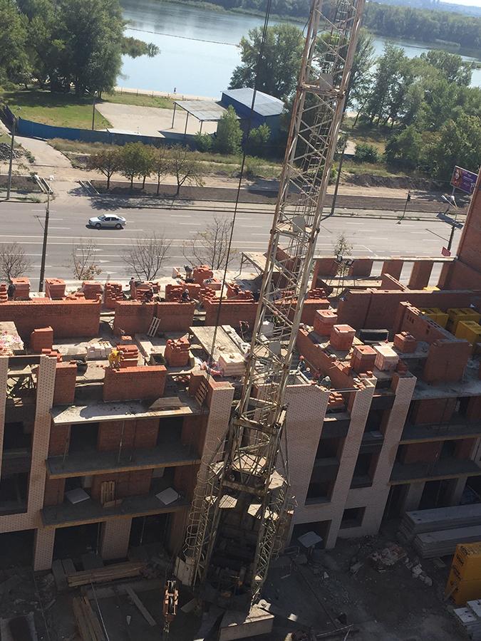 кирпичная кладка четвертого этажа 10 секции
