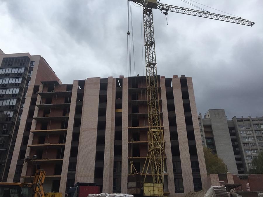 уже перекрыт 9-й этаж в 8-й секции