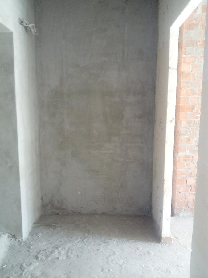 Место под встроенный шкаф при входе в квартиру