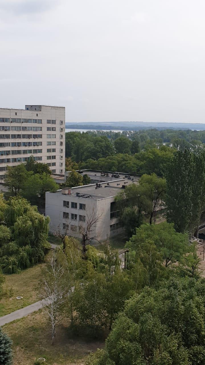 вид на р. Днепр с 11 этажа 6 секции