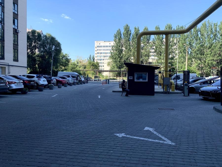 Создан автоматический въезд и выезд на территорию комплекса